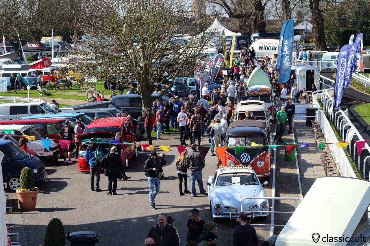 Sandown Park Racecourse, VolksWorld VW Show 2016, 11:11 a.m.