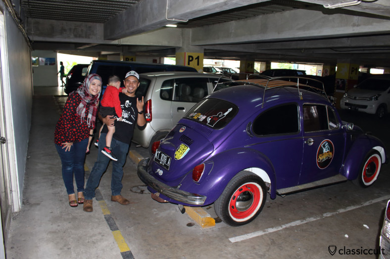 VW 1302 with family at The Plaza Shopping Center, Balikpapan, Kalimantan, Borneo, Indonesia, May 17, 2014