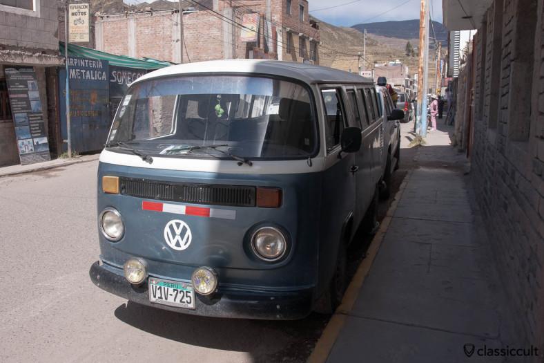 VW Bay Split Hybrid Bus frontside Yanque, Peru, May 10, 2013