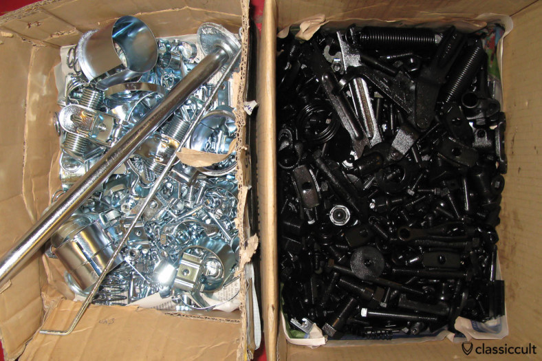 VW Beetle restoration: screws restored and new galvanized. The screws are as original zinc plated in black and silver.