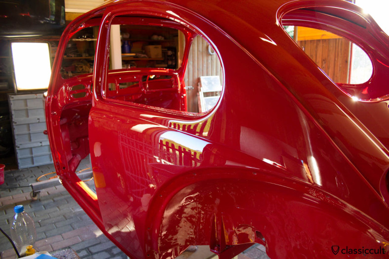 VW Bug 1200A body in ruby red L456