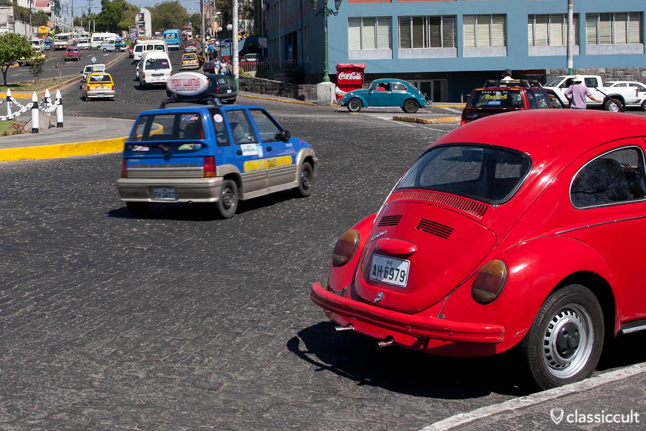 VW Bug la plaza grau del distrito de yanahuara Arequipa Peru