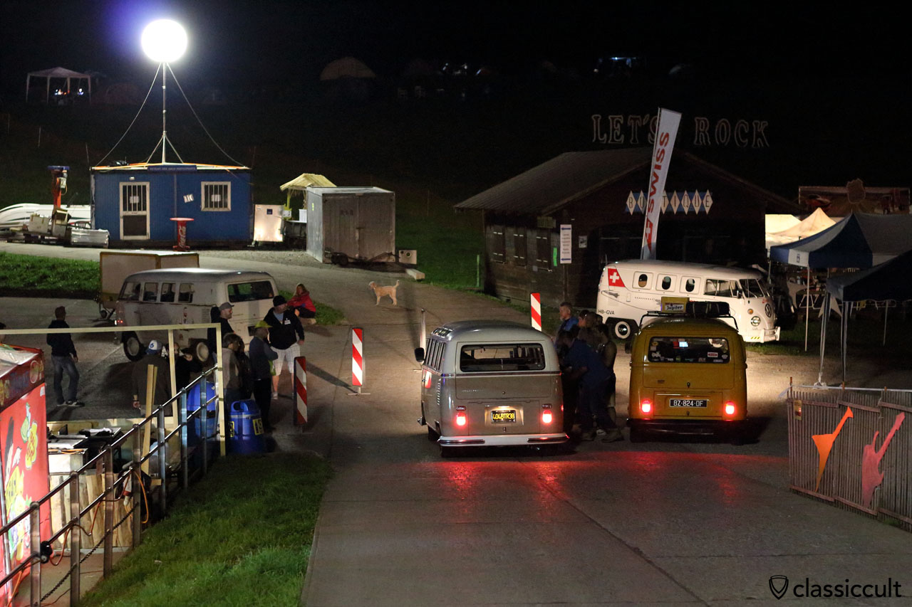 VW fans arriving at night
