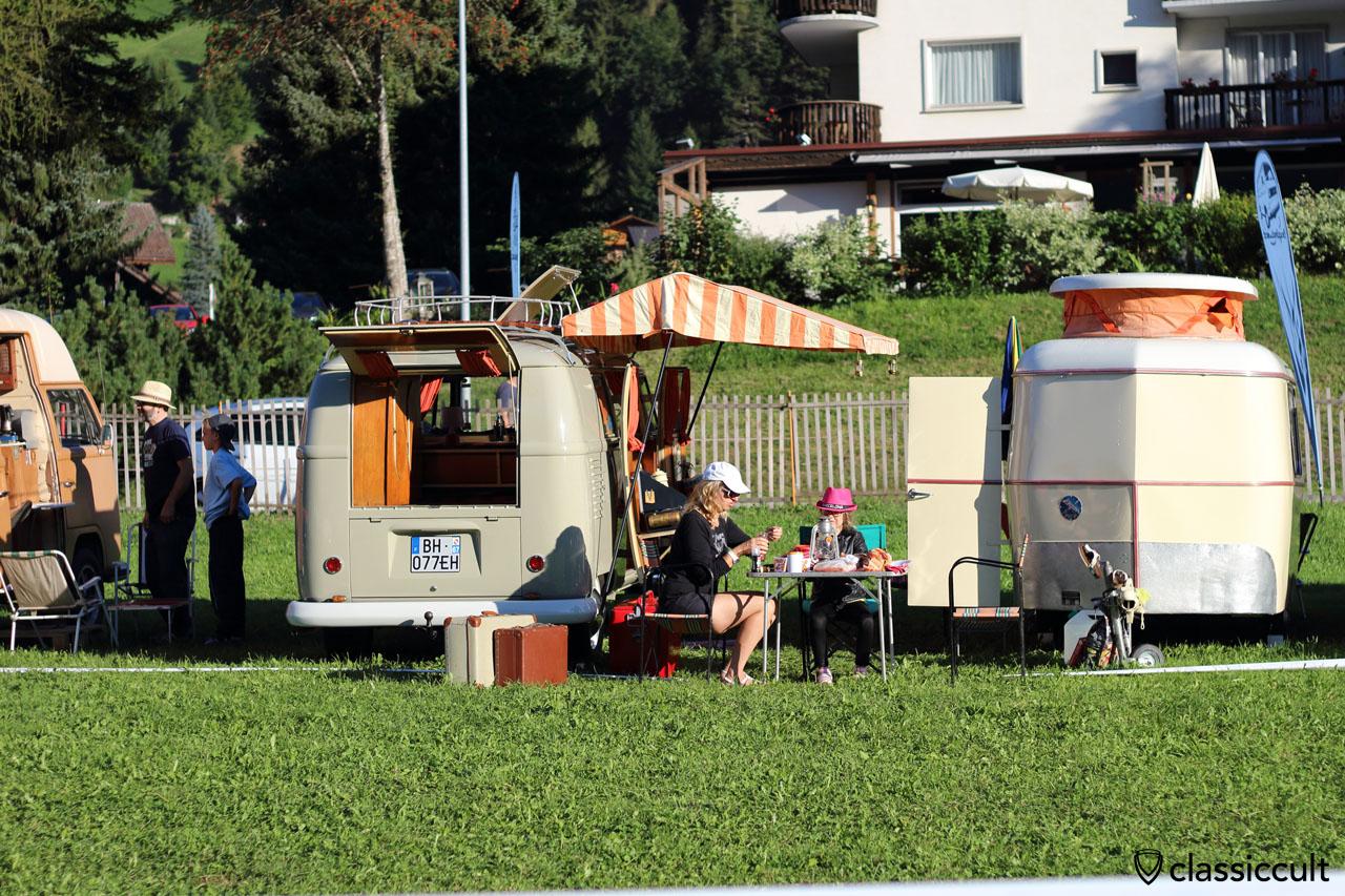 8:20 a.m. breakfast at VW T1 Camper