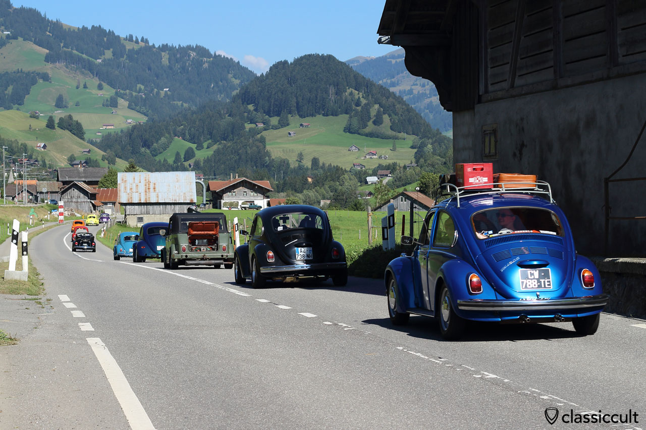 Parade at Château-d'Oex VW Meeting 2015