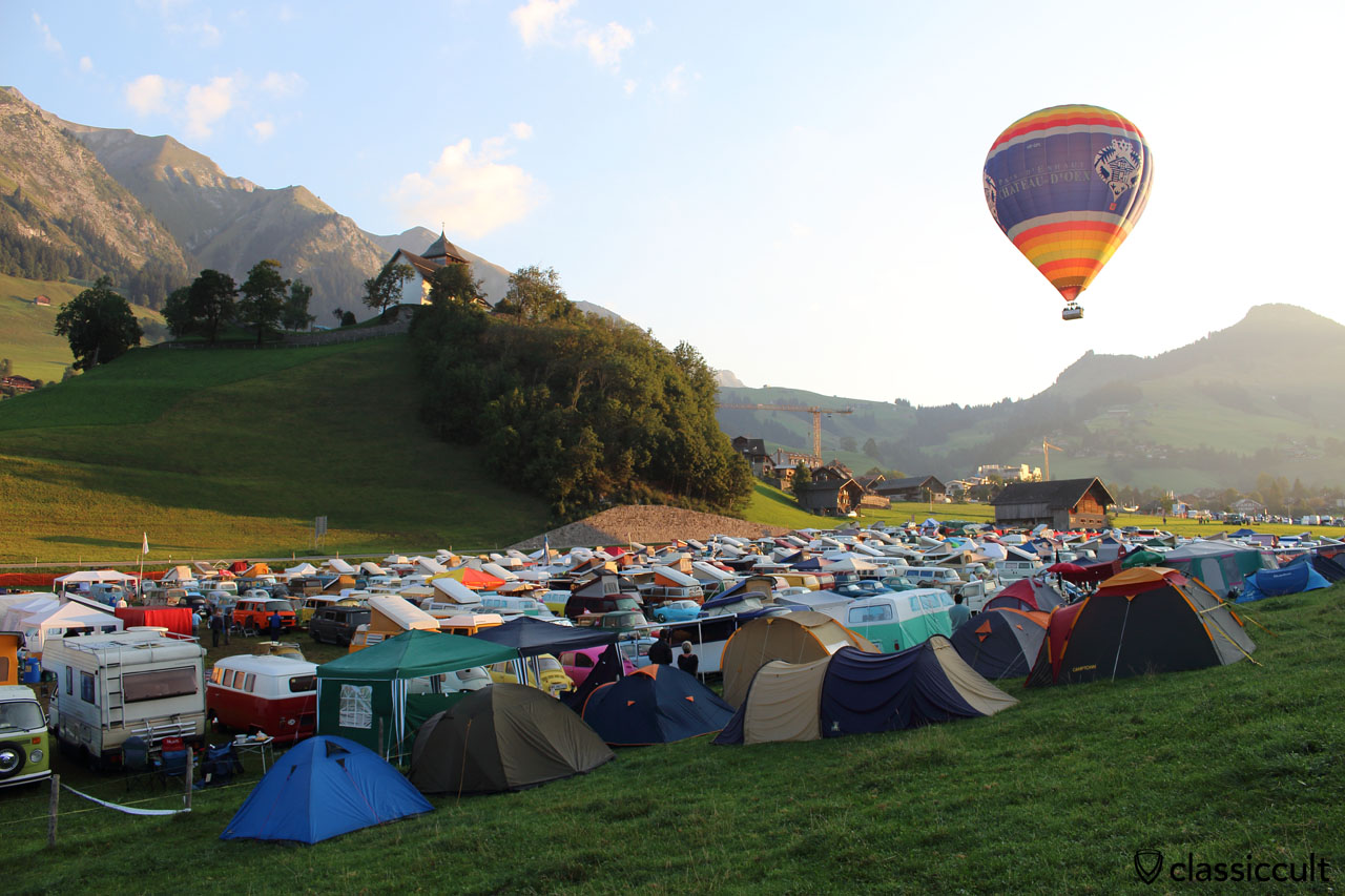 hot air balloon above Château-d'Oex VW Meeting 2015