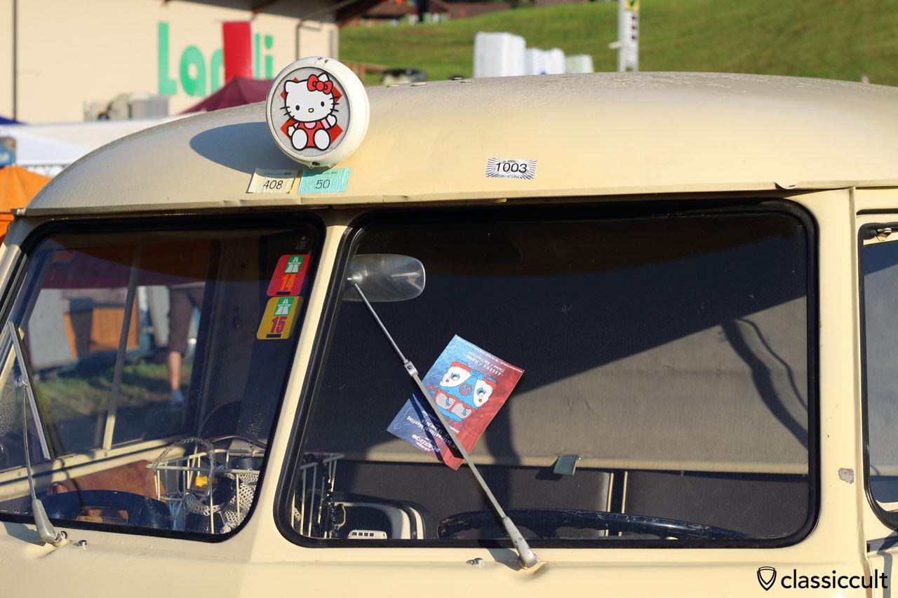 Hello Kitty T1 Bus