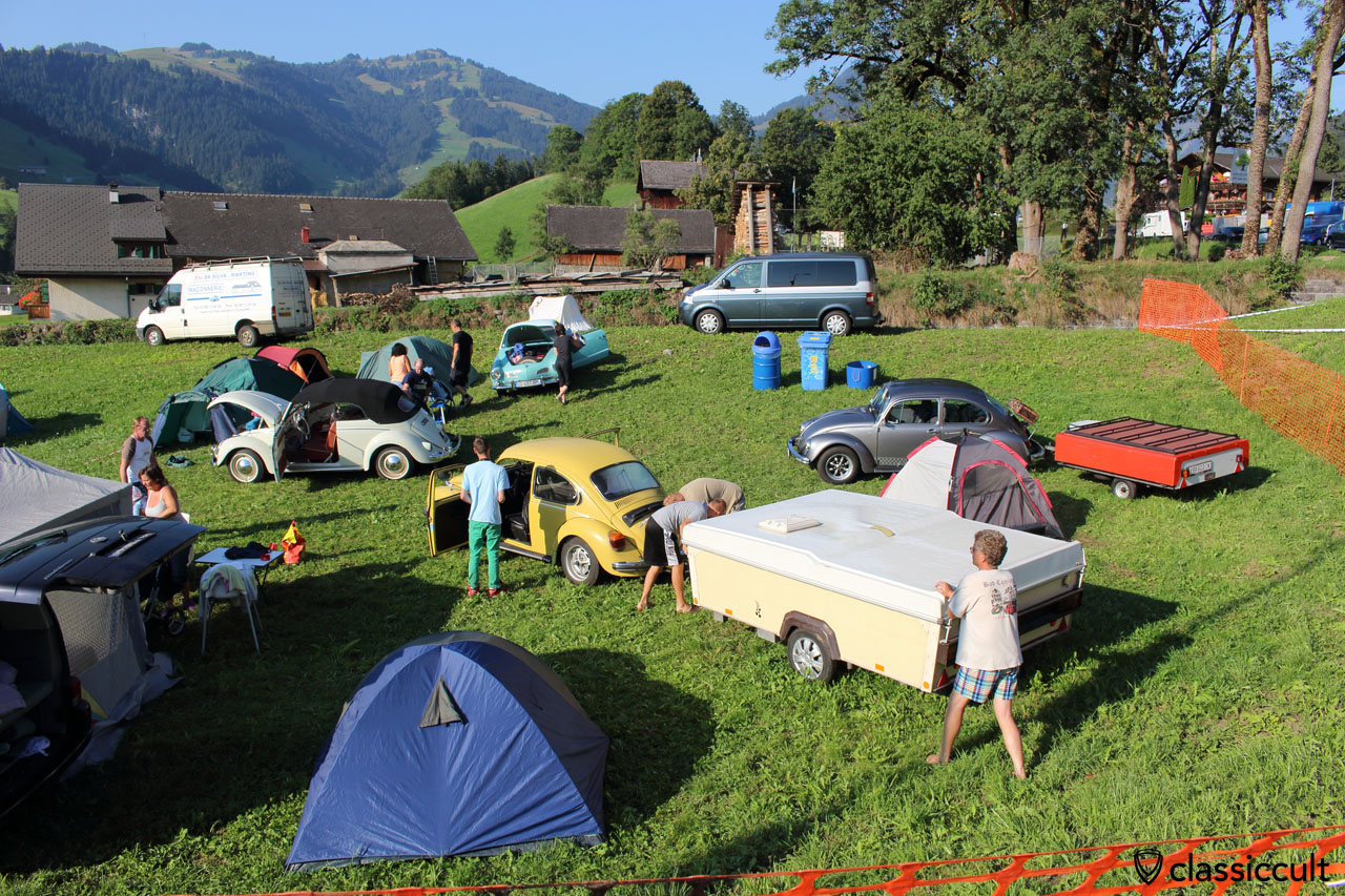 VW Fans getting ready to leave the international VW meeting at Château-d'Oex, 9:12 a.m., Sunday 30th August 2015