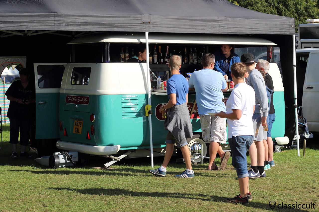 VW T1 Drinks Bar