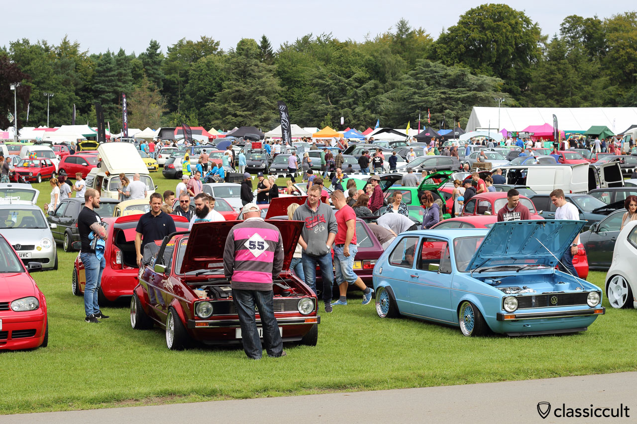 crowds at VW Festival, Leeds, 2015, 10:53 a.m.