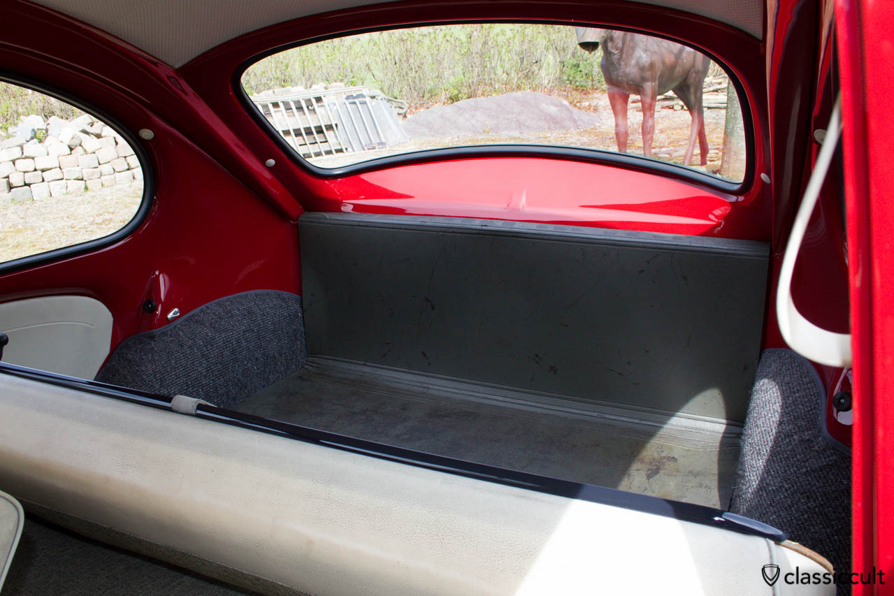 VW Standard Bug luggage area cardboard. The rear seat cover bar is grey black L43.