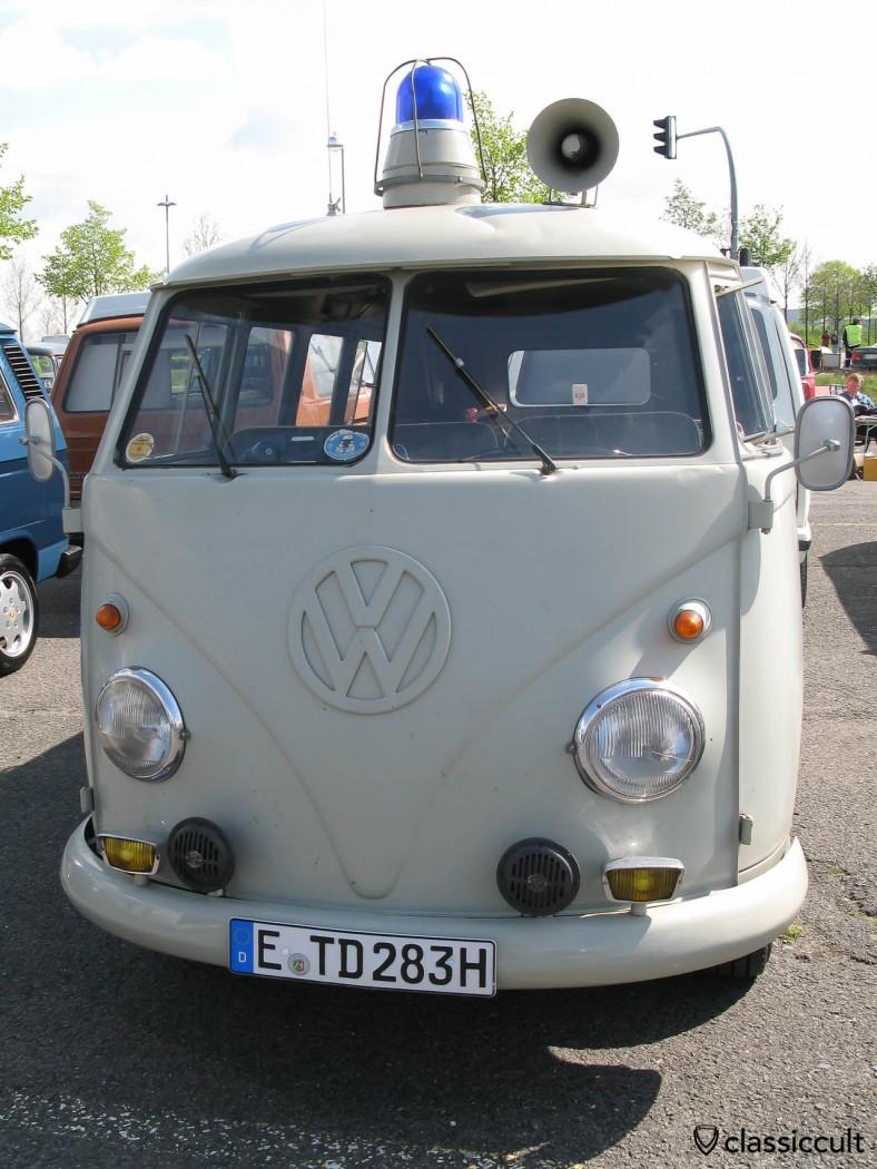 Civil protection (Katastrophenschutz) Rheinland Pfalz Pfalz Germany Split Bus with Bosch horns, yellow Bosch fog lights, megaphone and with a blue emergency light. All period correct. Well done!