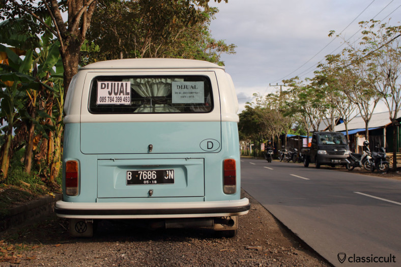Volkswagen Kombi T2 for sale, near Echo Beach Bali, Indonesia, February 26, 2014