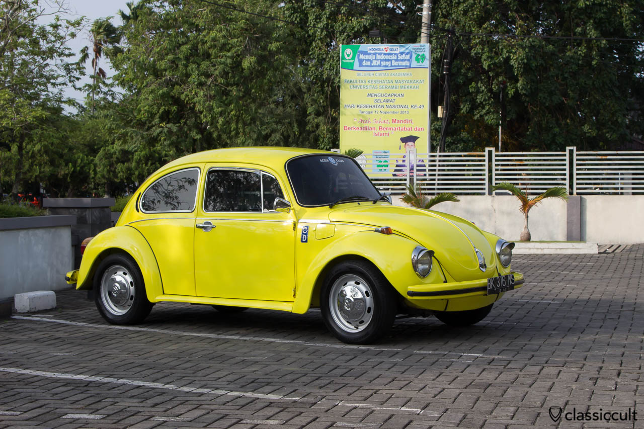 yellow vw beetle 1303 banda aceh indonesia with air con deutschland d sticker in very good. Black Bedroom Furniture Sets. Home Design Ideas