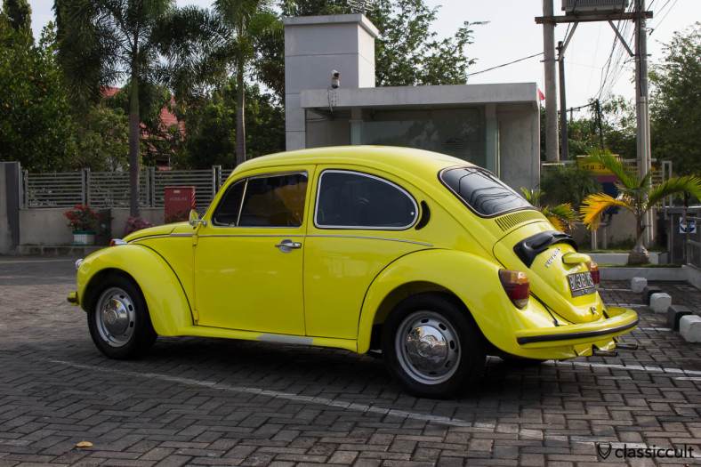"yellow VW Beetle 1303 Banda Aceh Indonesia, with air-con, Deutschland ""D"" sticker, in very good condition, member of ACEH Volkswagen Club"