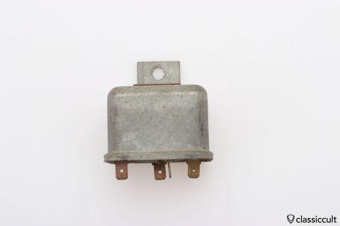 Bosch 12V relay # 0332515009