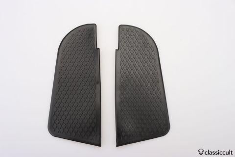 VW T2 211863735 211863736 step pads NOS