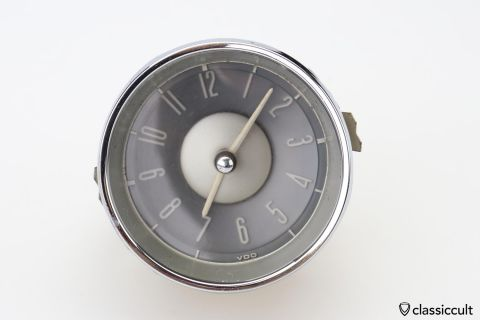 VW Type 3 VDO 6V clock 311919201 RUNS